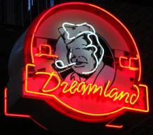 Dreamland Sign2